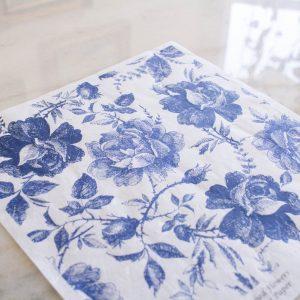 Belles & Whistles Decoupage Paper Blue Sketched Flowers 3 Blatt à 30 x 42cm